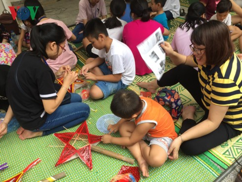 Staatspräsident Tran Dai Quang sendet einen Brief zum Beglückwünschen für das Mittherbstfest - ảnh 1