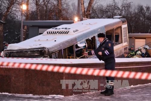 Polizei schließt einen Terroranschlag beim Bus-Unfall in Moskau aus - ảnh 1