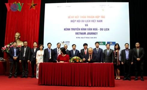 Der VOV-Reisekanal Vietnam Journey vereinbart Zusammenarbeit mit dem Tourismus-Verband - ảnh 2