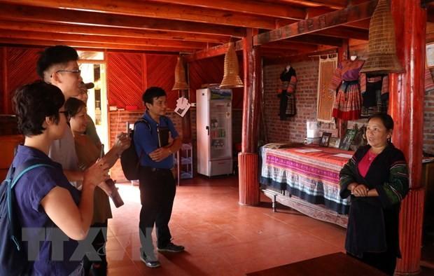 Von dem farbenfrohen Kulturbild bis zu Tourismusarten in der Provinz Lao Cai - ảnh 1