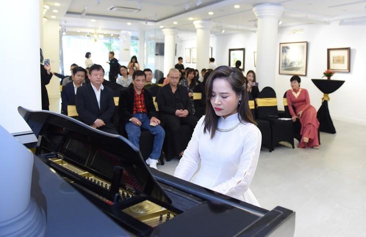 Cello- Fundamento-Konzert der Künstlerin Dinh Hoai Xuan - ảnh 1