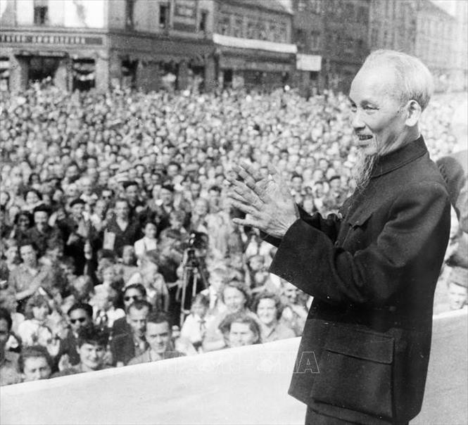 Französischer Historiker: Ho Chi Minh, eine Persönlichkeit mit großem Einfluss dieser Zeit - ảnh 1