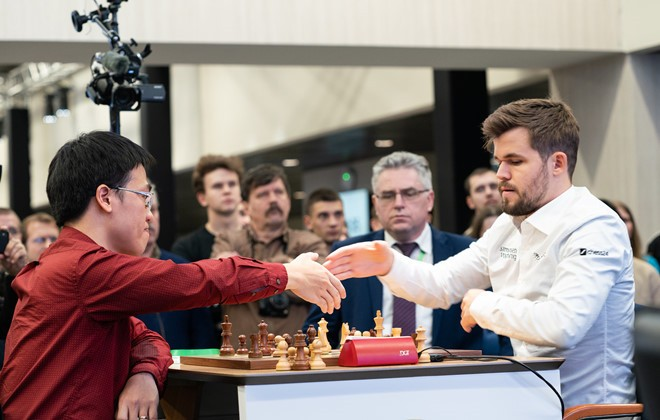 Le Quang Liem wird Schachweltmeister Magnus Carlsen treffen - ảnh 1