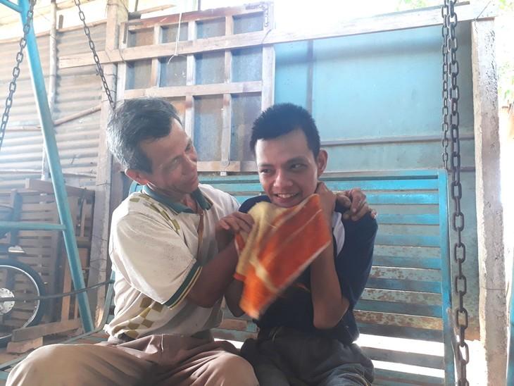 Unterstützung für Agent-Orange-Opfer bei der Bewältigung von Schwierigkeiten - ảnh 1