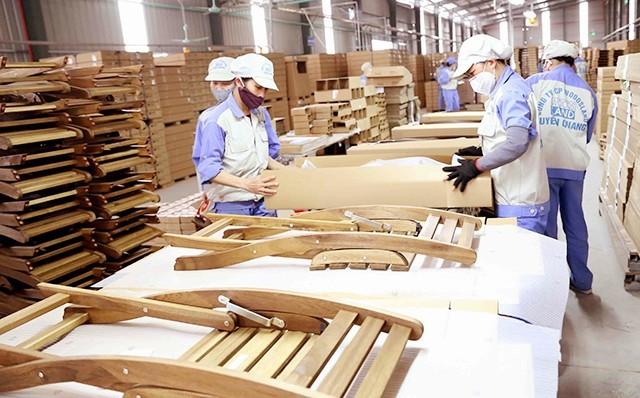 Trotz Schwierigkeiten wegen der Covid-19-Epidemie wächst der Export von Holz und Holzprodukten - ảnh 1