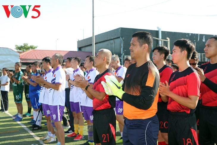 Eröffnung des Fußball-Turniers zum vietnamesischen Nationalfeiertag in Kambodscha - ảnh 1