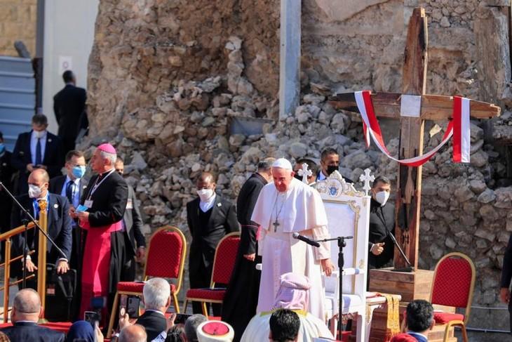Papst Franziskus besucht die irakische Stadt Mossul - ảnh 1