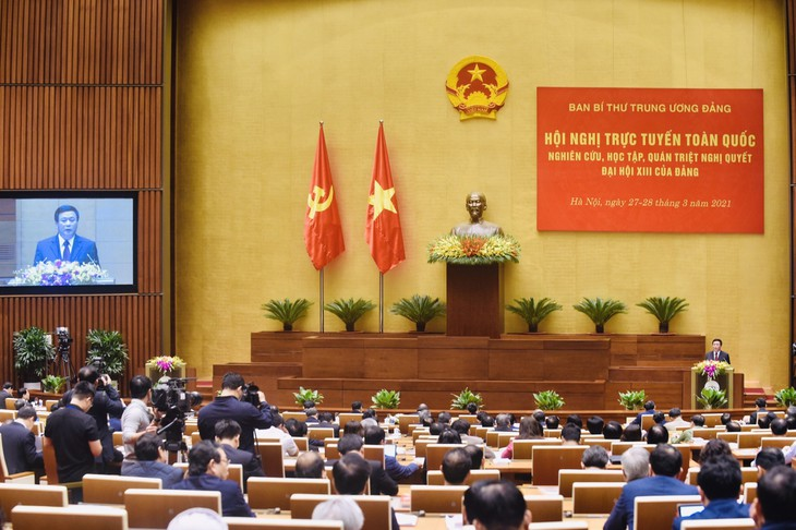 Parteimitglieder begrüßen den Beschluss des 13. Parteitags - ảnh 1