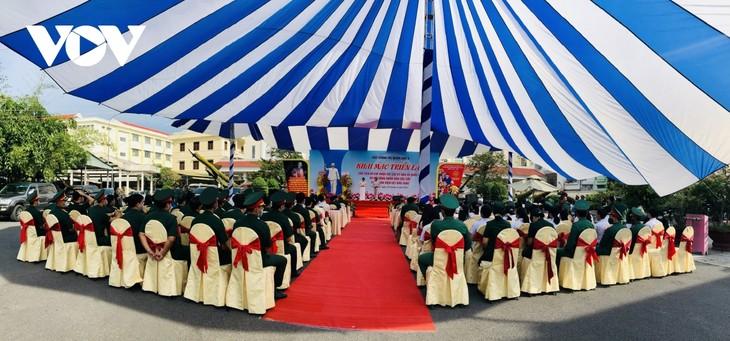 """Ausstellung """"Präsident Ho Chi Minh und Parlaments- und Kommunalwahlen"""" - ảnh 1"""