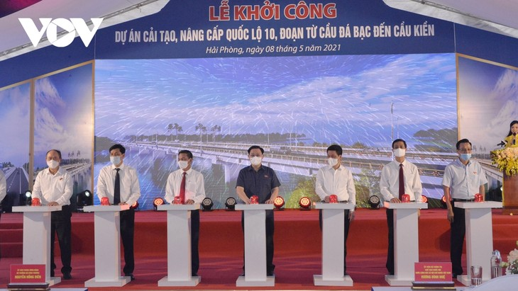 Parlamentspräsident nimmt an der Zeremonie zum Ausbau der Autobahn Nummer 10 teil - ảnh 1