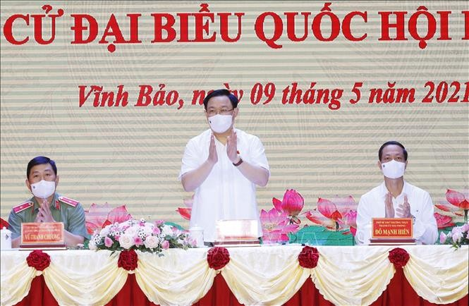 Parlamentspräsident Vuong Dinh Hue trifft Wähler in Hai Phong - ảnh 1