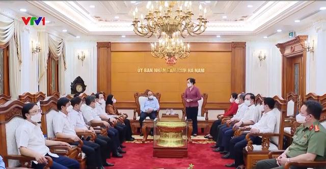 Staatspräsident Nguyen Xuan Phuc trifft die Leiter der Provinz Ha Nam - ảnh 1