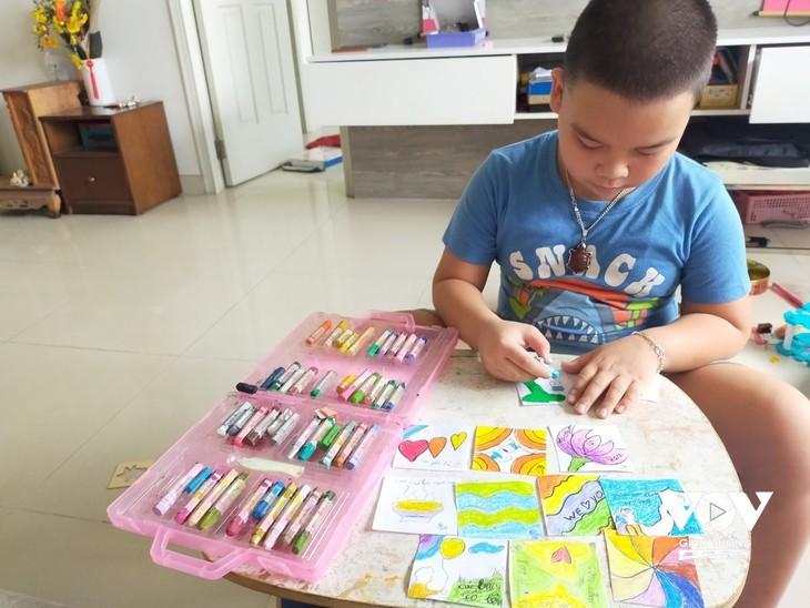 Liebesbotschaften von Kindern an die Front gegen die Epidemie - ảnh 2