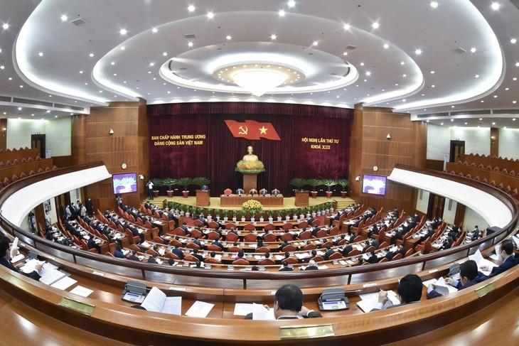 Erster Arbeitstag der 4. Sitzung des KP-Zentralkomitees der 13. Amtsperiode - ảnh 1