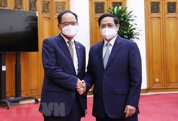 Premierminister Pham Minh Chinh empfängt den südkoreanischen Botschafter in Vietnam Park Noh Wan - ảnh 1