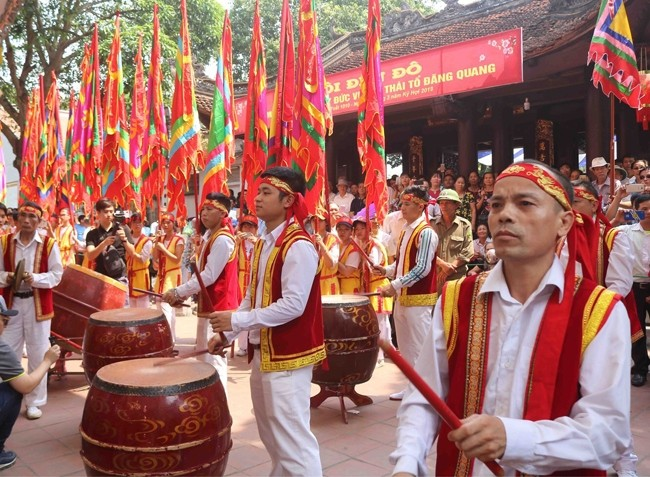 Ouverture de la fête du temple Dô à Bac Ninh - ảnh 1