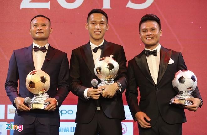 Football: Hung Dung élu le Ballon d'or du Vietnam 2019 - ảnh 1