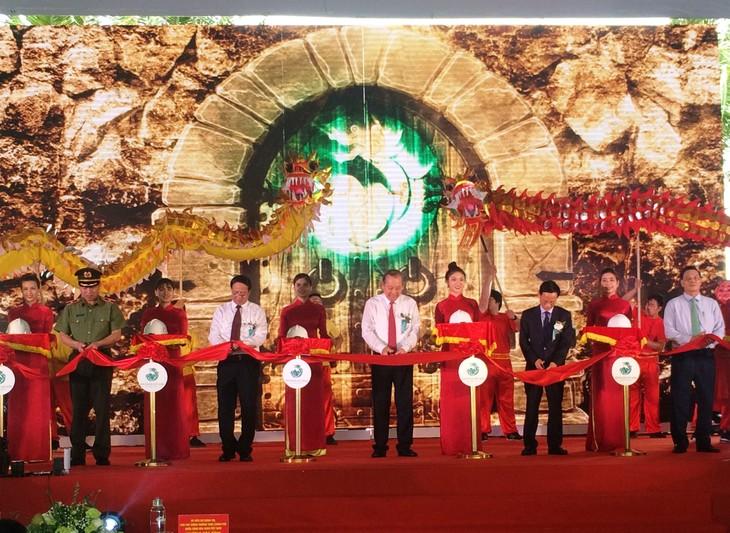 Truong Hoà Binh assiste à l'inauguration de plusieurs projets touristiques à Haiphong - ảnh 1