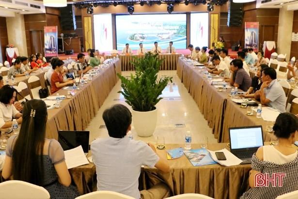 Promouvoir le tourisme dans les quatre provinces du Centre septentrional - ảnh 1