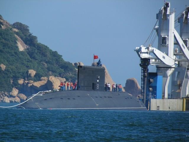 Tàu ngầm Hà Nội đã vào Quân cảng Cam Ranh an toàn tuyệt đối  - ảnh 1
