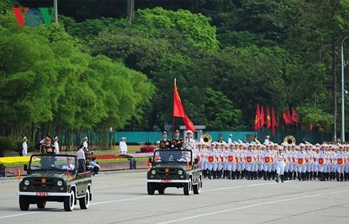Во Вьетнаме прошла официальная церемония празднования 70-летия со Дня независимости стран - ảnh 1