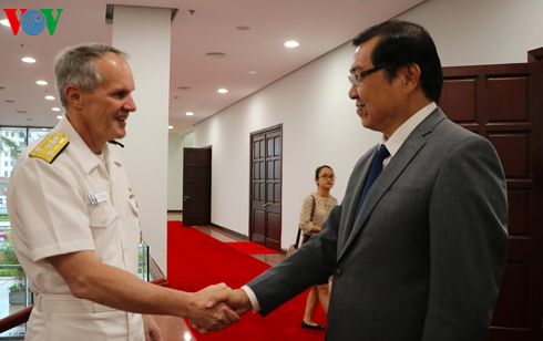 Председатель Народного комитета города Дананга принял делегацию ВМС США - ảnh 1