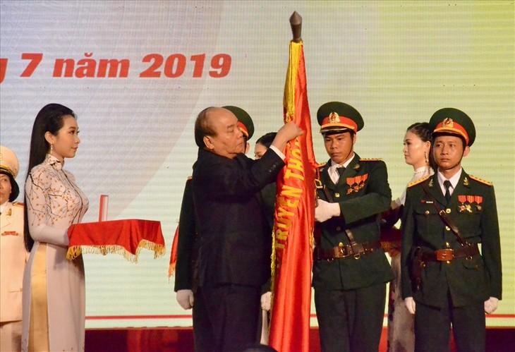 Нгуен Суан Фук вручил провинции Кьензянг орден Независимости первой степени - ảnh 1