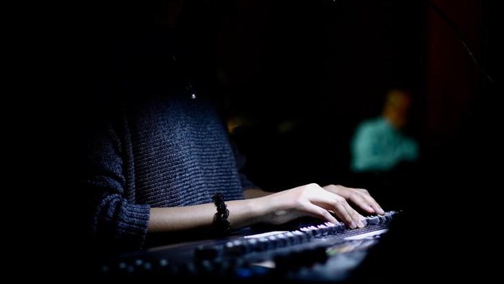 Концерт «Туманная граница» - встреча вьетнамских и иностранных исполнителей экспериментальной музыкой - ảnh 1
