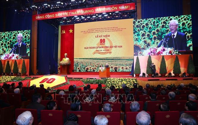 В Ханое прошел митинг, посвященный 90-летию со дня основания Компартии Вьетнама - ảnh 1