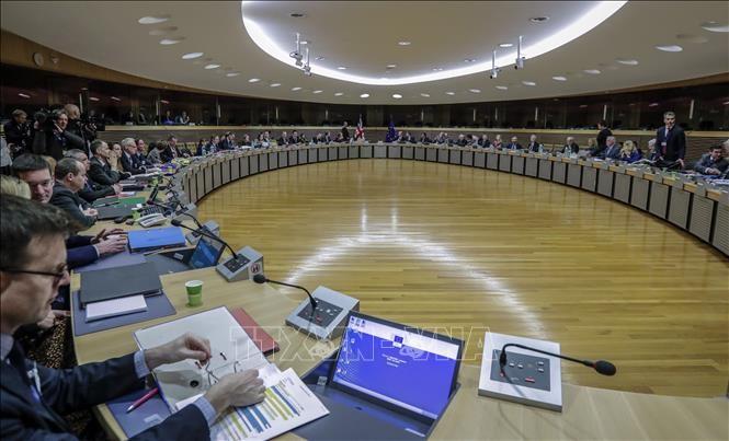 ЕС и Британия отменили переговоры о партнерстве из-за коронавируса - ảnh 1
