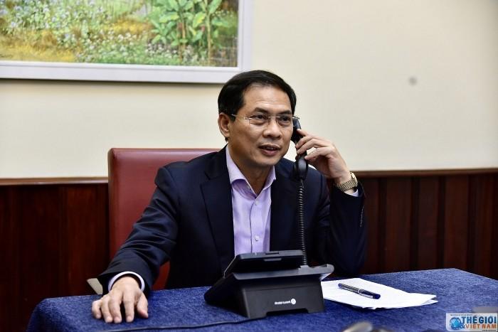 Буй Тхань Шон провел телефонные разговоры с замглав МИД США, Австралии, Японии, Новой Зеландии, Республики Корея и Индии - ảnh 1