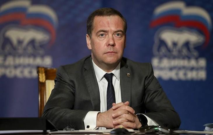 Медведев назвал соглашение ОПЕК о сокращении добычи нефти возможной причиной отрицательных цен на нефть - ảnh 1
