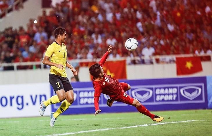 Футболист Куанг Хай был внесен в список лучших нападающих Азии - ảnh 1