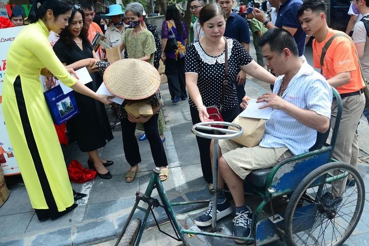 Рисовый банкомат Радио «Голос Вьетнама» распространяет любовь - ảnh 1