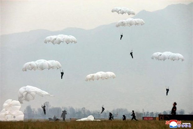 КНДР намерена ввести войска в демилитаризованную зону - ảnh 1