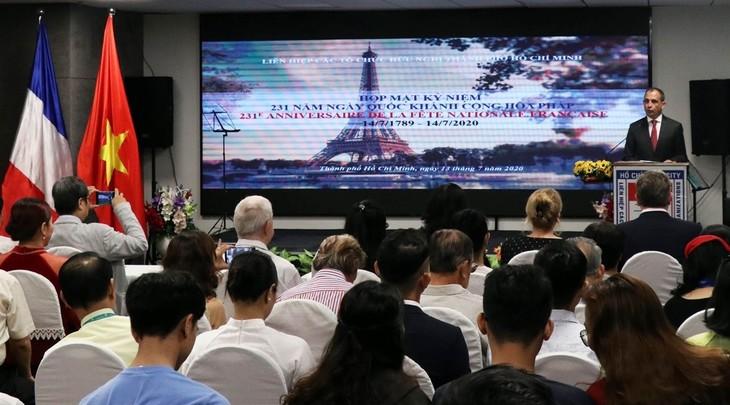 Вьетнам и Франция укрепляют отношения стратегического партнерства - ảnh 1