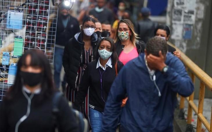 В мире усложняется ситуация с пандемией COVID-19 - ảnh 1