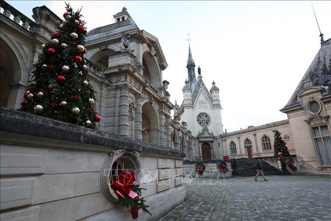 Мир встречает Рождество в условиях карантина - ảnh 1