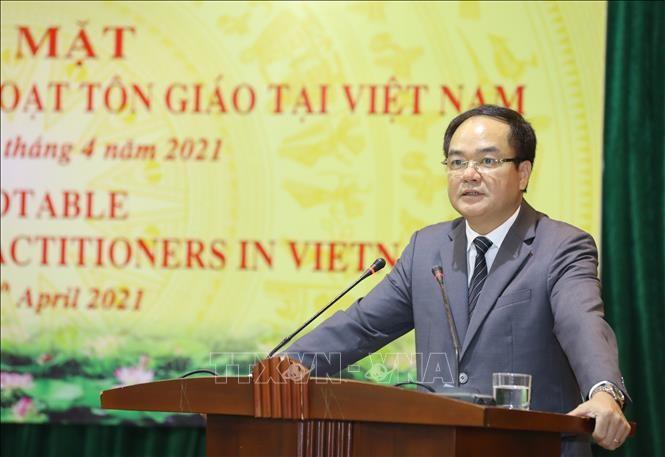 Комитет правительства по религиозным вопросам провел встречу с иностранными верующими разных религий во Вьетнаме - ảnh 1