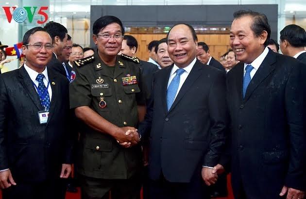 Mendorong hubungan kerjasama Vietnam-Kamboja di banyak bidang - ảnh 1