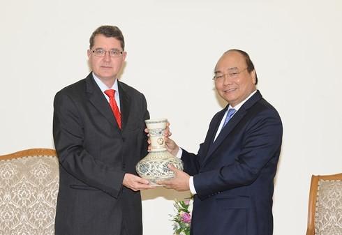 Vietnam ingin mengembangkan hubungan persahabatan tradisional dan kerjasama di banyak segi dengan Austria - ảnh 1