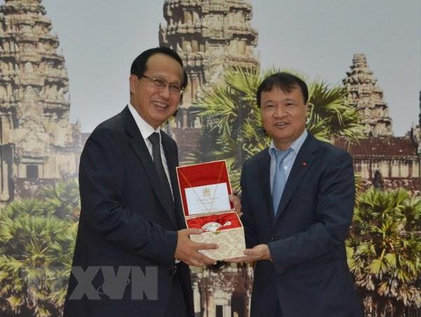 Vietnam dan Kamboja mendorong pertukaran dagang bilateral - ảnh 1