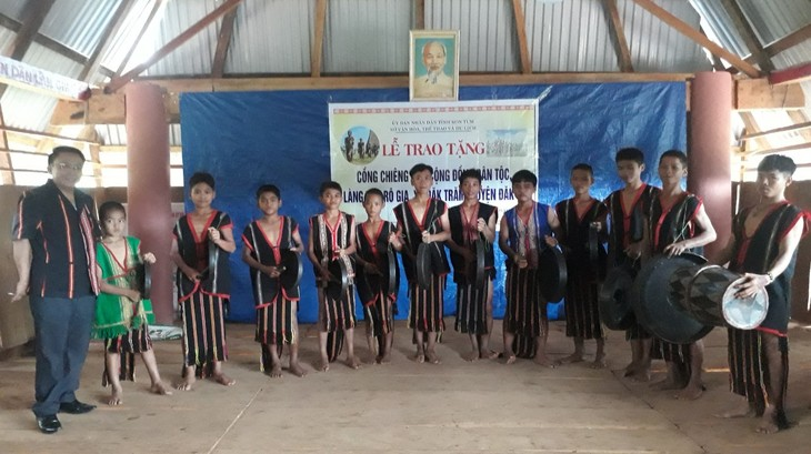Provinsi Kon Tum mengembangkan nilai-nilai kebudayaan tradisional - ảnh 1