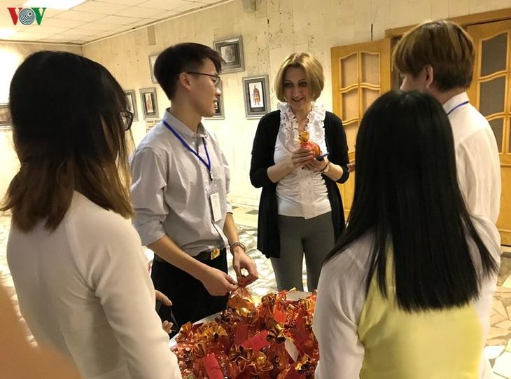 Mahasiswa Vietnam di Rusia menyambut Hari Raya Tet Tradisional - ảnh 1