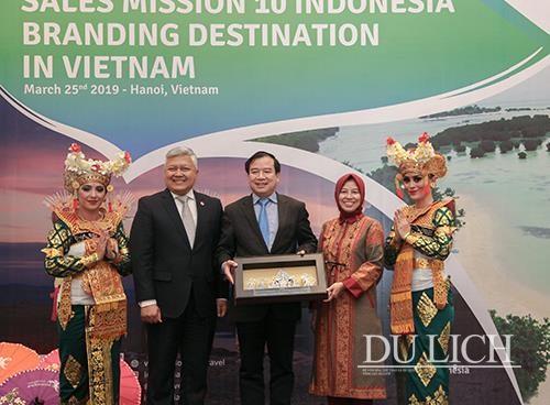 Memperkuat kerjasama pariwisata antara Vietnam dan pulau Bali (Indonesia) - ảnh 1