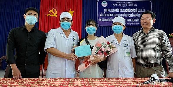 Punya lagi tiga pasien terinfeksi Virus Corona di Vietnam keluar dari rumah sakit - ảnh 1