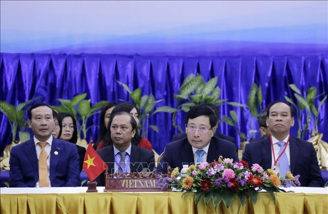 Tahun Keketuaan ASEAN 2020: Menlu ASEAN membahas wabah Covid-19 - ảnh 1