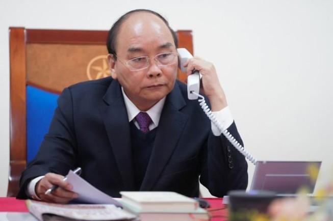 Pemerintah Vietnam memberikan bantuan peralatan kesehatan yang perlu sebesar 100.000 USD bagi  Pemerintah Laos dan Kamboja  - ảnh 1