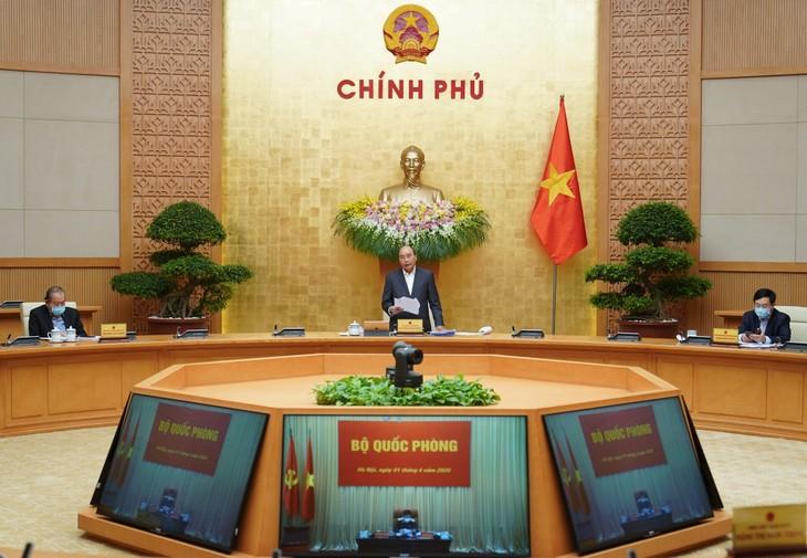 PM Nguyen Xuan Phuc memimpin sidang periodik  Pemerintah online untuk  bulan Maret 2020 - ảnh 1