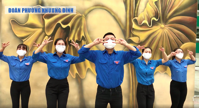Para remaja Ibukota Hanoi dengan program: